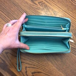 Handbags - Teal LIKE NEW zippered wallet- gorgeous color!!